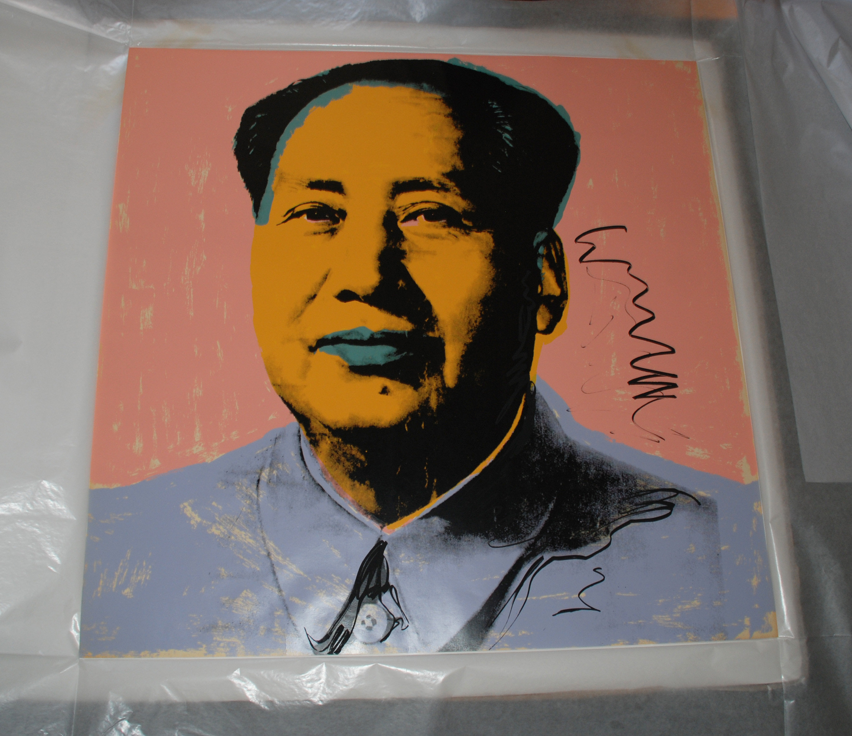 andy warhol mao Warhol's interpretation of mao resulted here in the creation of a portfolio containing ten brightly colored, monumental pop art portraits.
